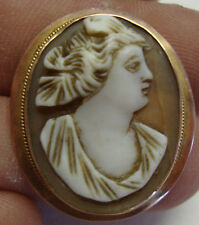 Antique/ vintage cameo brooch with 9ct gold mount