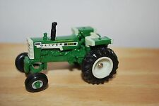 1/64 White Oliver 1555 tractor w/ fuel tank fenders, hard to find great shape