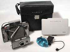 POLAROID 230 LAND CAMERA W/ FLASH, MANUAL   CASE