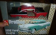 AMT 1956 FORD FAIRLANE VICTORIA PRO-SHOP 1/25 Model Car Mountain KIT FS