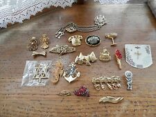 Lot of 20 pins some vintage some signed