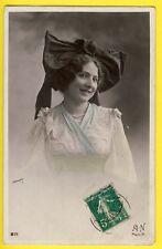 cpa LYON Superbe FEMME en COIFFE Papillon de 1912 Photo signé A. NOYER à PARIS