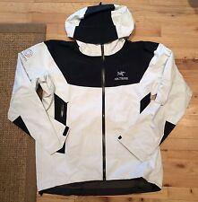 NEW Arcteryx x Concepts CNCPTS White Black Beta SL Goretex Jacket size XLarge XL