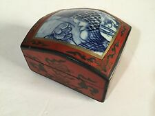 BEAUTIFUL CHINESE RED LACQUER BOX GOOD Painted SCENE TO LID