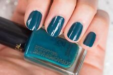 L'Oreal -  FASHION'S FINEST #705 - Extraordinaire Gel-Lacque Nail Polish