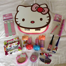 Hello Kitty Vanity Case & Make Up Set - Plus 4 Nail Polishes in an Organza Bag