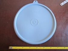 Vintage Tupperware replacement lid 227 press and seal top lid cap C on tab