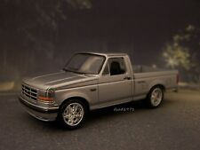 COLLECTIBLE 1993 93 FORD SVT F-150 LIGHTNING 1/64 SCALE DIECAST MODEL DIORAMA