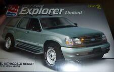AMT 1997 FORD EXPLORER 1/25 MODEL CAR MOUNTAIN KIT FS