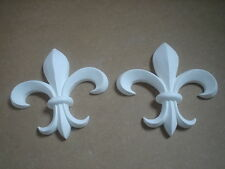 2 LARGE FLEUR DE LIS DECORATIVE FURNITURE  MOULDINGS WHITE PLASTER