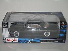 Maisto Special Edition 1956 Chrysler 300B 1:18 Scale  **NEW**