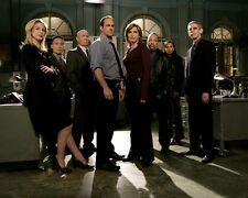 Law and Order : SVU [Cast] (21503) 8x10 Photo