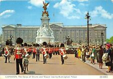 B87275 london the corps of drums and mascot leaving buckingham palce  uk