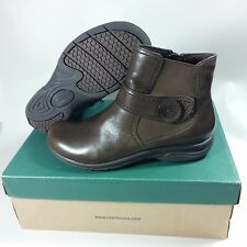 NICE Women's Clarks Side Zip Ankle Chris Ava Brown Leather Boots-5 M