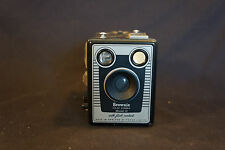Old Vtg Antique Brownie Six-20 Model D Box Camera With Flash Contacts