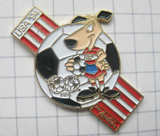 COCA-COLA  / WORLD CUP USA 94 STRIKER ........ Pin (166i)