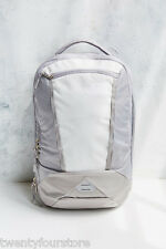 NWT $90 The North Face Microbyte Backpack in Vaporous Grey / Metallic Silver