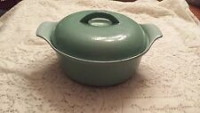 9 in Vintage Prizer-Ware Enamel Cast Iron Turquoise Covered Casserole RC2 Aqua