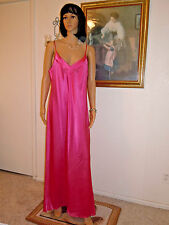 LUCIE ANN vintage CHARMEUSE FUCHSIA SATIN Polyester Nightgown size L large