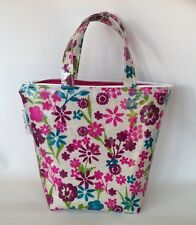 Insulated lunch bag in Pink flowered oilcloth