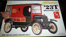 AMT 1923 FORD T BUDWEISER DELIVERY VAN VINTAGE 1/25 Model Car Mountain KIT OPEN
