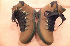 WOMENS BROWN LEATHER 'KATE  HIKING BOOTS BY EARTH SHOES SiZE HERS 7 / HIS 5  EX.