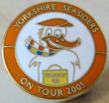 BLACKPOOL FC YORKSHIRE SEASIDERS ON TOUR 2005 badge Brooch pin In gilt 26mm Dia