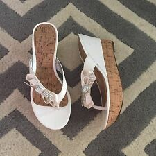 Womans Guess White Wedge Platform Flip flop Sandal Shoes Size 6.5