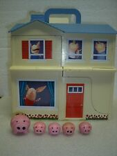 2010 Olivia the Pig Play Transforming Pirate House Pirate Ship Toy 5 pigs LOT