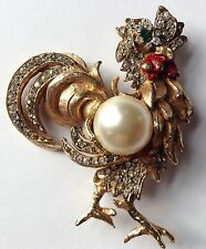 VINTAGE KJL KENNETH JAY LANE SIGNED CLEAR RHINESTONE & PEARL ROOSTER BROOCH