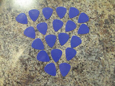 20 SNARLING DOGS BRAIN GUITAR PICKS 351 TYPE in PURPLE - THIN / MEDIUM .60 mm
