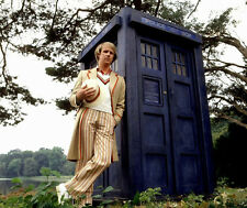 Peter Davison UNSIGNED photo - 1885 - Doctor Who