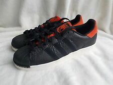 Adidas Superstars ... uk size 8   ///   London city series