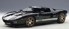 Autoart 1:18 2004 Ford GT, black/white stripes