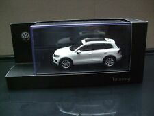 Herpa Modell in 1:43    VW Touareg 2015 in Pure White