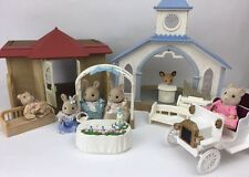 sylvanian familes wedding chapel, Hall, vintage car + Figures + bride and groom