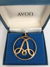 LARGE ROUND 1&1/4 INCH AVON GOLD FILLED INITIAL A CHARM / PENDANT ESTATE JEWELRY