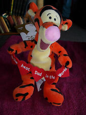 THE DISNEY STORE FATHER'S FATHERS DAY TIGGER BEST DAD PLUSH SOFT TOY FREE UK P&P