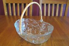 Beautiful Clear Glass Embossed Fruit Basket Bowl With Reed Handle