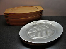 Vintage Set of 8 Steak Fajita Plates Cast Aluminum Platters w/Wood Holders Japan