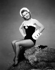 DEBBIE REYNOLDS LEGENDARY ACTRESS - 8X10 PUBLICITY PHOTO (ZY-711)