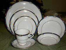 NORITAKE IMPRESSION CHINA P576 W/ GOLD TRIM  7  PIECE SET W/ BOWLS      RARE