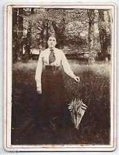 C742 Photo ancienne vintage femme mode fashion parapluie Parc Jardin