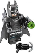 (NEW) LEGO DC Comics - Armored Batman with Batarang & 2 Guns - split from 76044