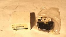 *NEW* TELEMECANIQUE EB3 2 N/O SWITCH CONTACT