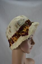 VINTAGE 1930s ivory goose feather hat with red and orange pheasant feather band
