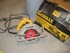 "DEWALT 7-1/4"" Next Gen Circular Saw Kit DWE575 Heavy Duty Cord USED NICE ONE"