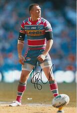 LEEDS RHINOS HAND SIGNED KEVIN SINFIELD 12X8 PHOTO.