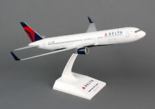 SkyMarks SKR330 Delta Airlines Boeing 767-300 1:150 Scale 2007 Livery New in Box
