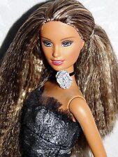 Hermosa Muñeca Barbie moda fiebre Tia en bastante Brillo Vestido